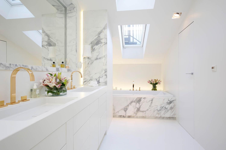 nowoczesna łazienka w luksusowym apartamencie